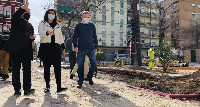 L'Ajuntament de València mantindrà l'antic empedrat de la Plaça de Calabuig