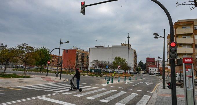Mobilitat Sostenible de València redueix els temps d'espera dels vianants en els semàfors de la rotonda de barraques del figuero amb camí del canal
