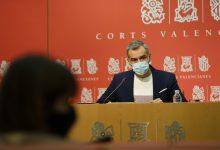 Ciudadanos homenajea a las víctimas del coronavirus cuando se cumple un año del primer valenciano fallecido