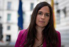 """Belén Hoyo (PP): """"Sánchez és un 'nini', que no té pla. Ni coordina, ni planifica, ni paga a les CC.AA"""""""