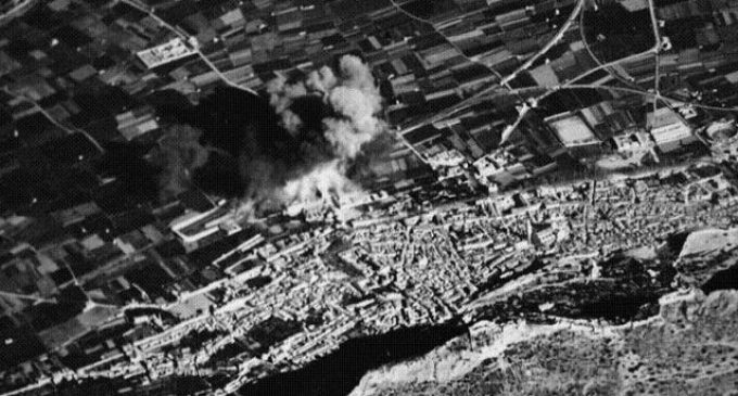 Xàtiva recorda a les 145 víctimes del bombardeig a la seua estació de tren