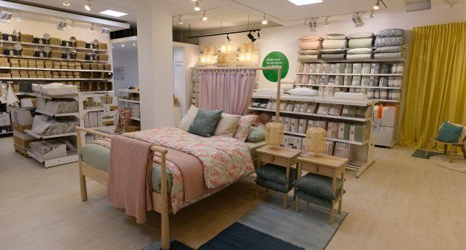 La nueva tienda de IKEA en el Centro Comercial Saler se abre al público