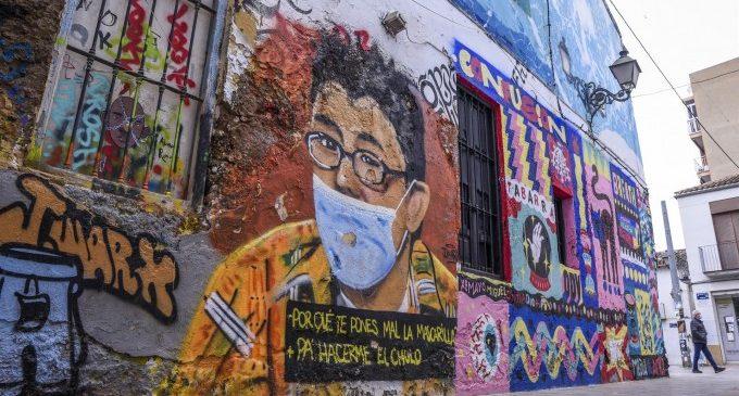 L'art urbà retrata un any de pandèmia en els murs de la ciutat de València
