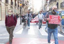 """Hostalers i comerciants de Benidorm arriben en caravana a València per a reclamar """"ajudes directes ja"""""""