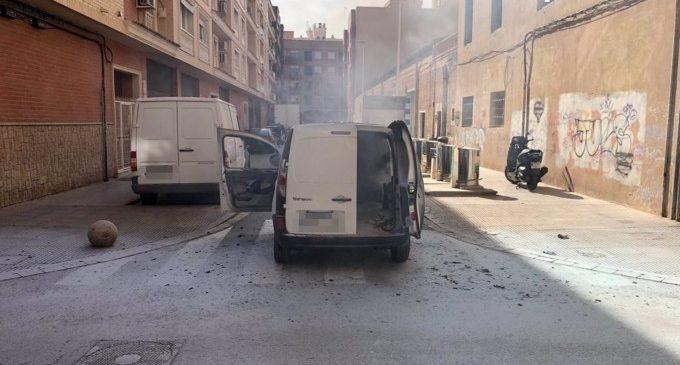 Ferit un treballador en incendiar-se una furgoneta a Alboraia