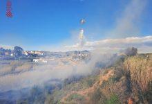 Declarat un incendi amb tres focus actius en una zona pròxima al riu Xúquer