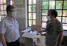 Ontinyent reparte entre la comunidad educativa 9.500 mascarillas reutilizables hechas en la ciudad