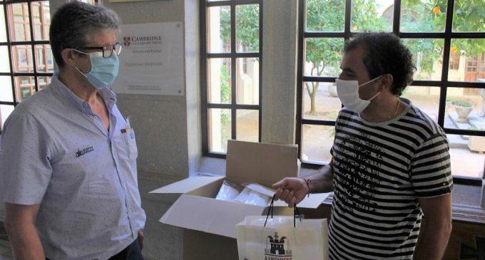 Ontinyent reparteix entre la comunitat educativa 9.500 mascaretes reutilitzables fetes a la ciutat