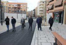Ontinyent finalitza les obres de reurbanització del carrer Pintor Segrelles que dupliquen l'espai per als vianants