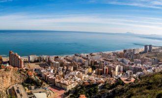 """Les aigües residuals a Cullera revelen una incidència per Covid-19 """"moderada"""" al nucli urbà i """"molt alta"""" a la zona de la platja"""