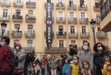 Protesta en València contra la expulsión de 16 familias para hacer 32 apartamentos turísticos