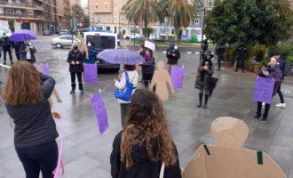 """L'Assemblea Feminista de València """"s'enreda"""" per a """"reivindicar a les dones essencials invisibilitzades"""""""