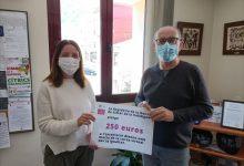 Simat de la Valldigna entrega 250 euros a l'associació Alanna