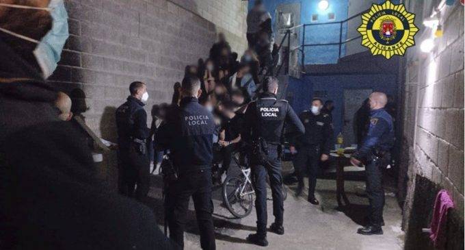 Desmantellada una festa il·legal en un local d'Alacant