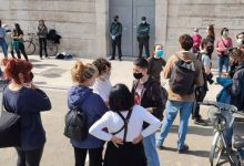 Un grupo de mujeres ocupa la Delegación del Gobierno para exigir la retirada de la Ley Mordaza y multas a feministas
