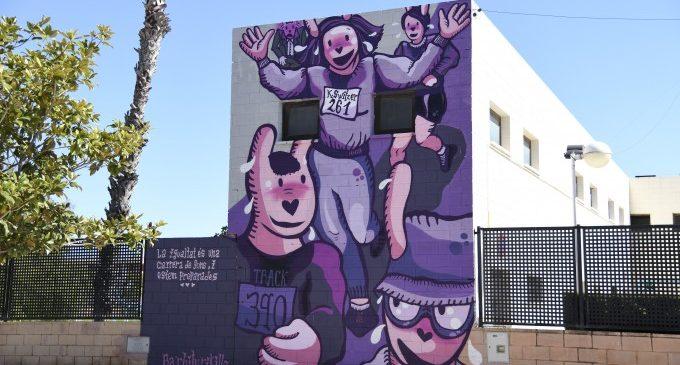 Un mural en homenatge a Kathrine Switzer obri el circuit d'art urbà PaiportART