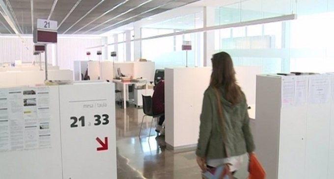 El 37% de les persones que abandonen les llistes de l'atur a València són joves