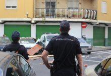 Detingut un home a Burjassot després d'escapolir-se en el seu cotxe i intentar atropellar un agent