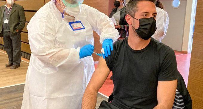 La Comunitat Valenciana ja s'està vacunant a persones desplaçades d'altres comunitats o de fora del país