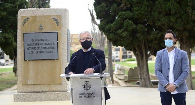 València recorda amb un monòlit les persones assassinades pel franquisme
