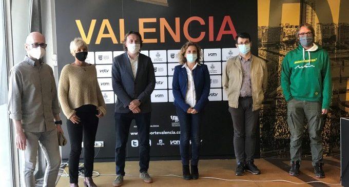 València reforça la seguretat de nadadors i nadadores amb un canal de natació a 200 metres en les platges urbanes