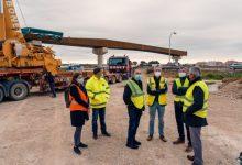 Obres Públiques avança en la construcció de la passarel·la de ciclovianants sobre la V-30 que unirà València amb l'Horta Sud