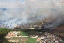 Extingit l'incendi forestal declarat aquest divendres a Requena, al costat del Xúquer i Fuentepodrida