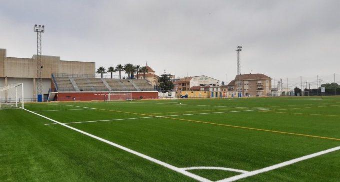 L'Ajuntament de Meliana recepciona l'obra del canvi de gespa del camp de futbol