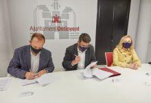 L'alcalde d'Ontinyent i el conseller d'Habitatge signen el conveni dels primers 600.000 euros per a transformar el barri de la Cantereria