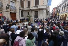 Quaranta creus de maig omplin de flors els carrers des d'aquest cap de setmana