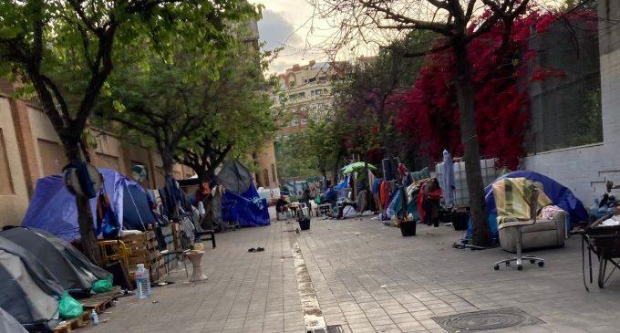 El PP demana a Ribó i Gómez un pla de xoc per a evitar que famílies dormen i visquen al carrer