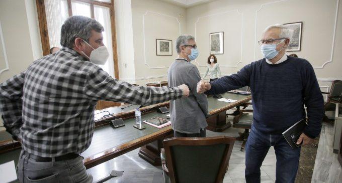 Ribó se reúne con trabajadores del Puerto para tratar los efectos de la ampliación norte en el empleo