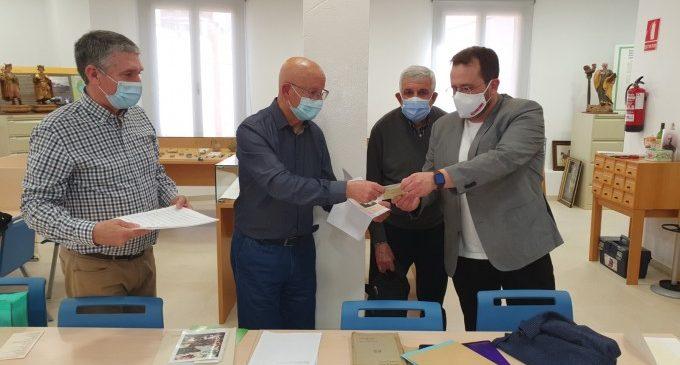 José Tomás recupera la lletra i partitura d'un antic himne del Centre Politècnic de Sueca