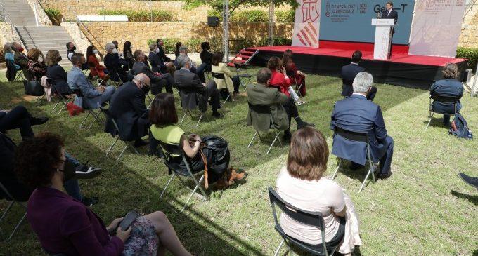 Ximo Puig destaca l'aposta per generar estabilitat perquè el talent investigador romanga en la Comunitat Valenciana