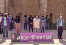 """Feministes valencianes signen un acord de """"sororitat"""" per a """"rebaixar la bel·ligerància en els debats"""" del moviment"""