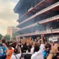 Milers de valencianistes clamen contra la gestió de Peter Lim