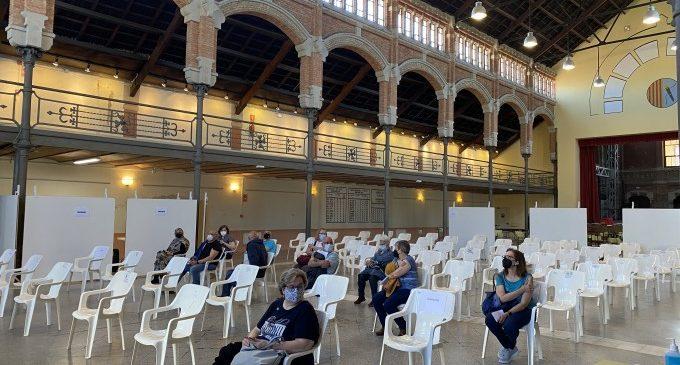 El Magatzem de Ribera de Carcaixent s'estrena com a punt de vacunació