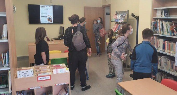 Paterna estrena una sala infantil en la biblioteca de La Canyada