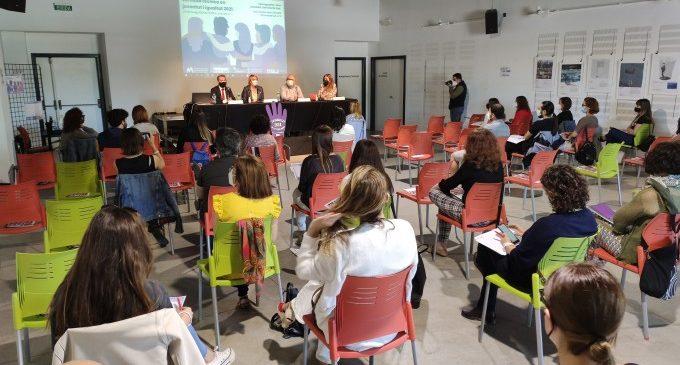 La Mancomunitat de l'Horta Sud organitza una jornada amb tècnics municipals de la comarca per a fomentar la igualtat entre la joventut