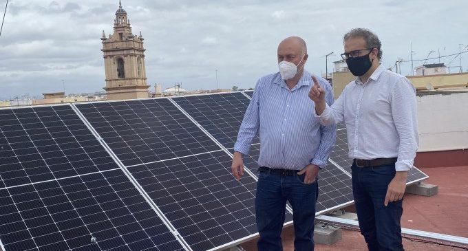 Quart de Poblet instal·la plaques solars en edificis municipals