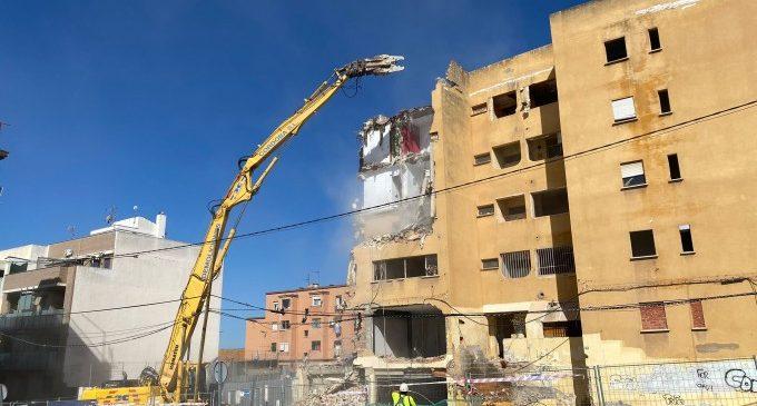 Paterna executa la demolició de la Finca Groga