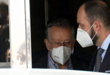 Alfonso Grau ix detingut de la seua casa després de més de huit hores de registre per l'operació Assut