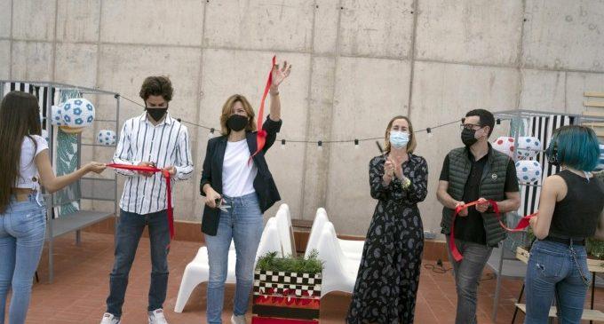 Ricard Camarena i Ikea creen una terrassa multifuncional en Bombas Gens