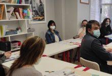Torrent dona principi als cursos presencials d'anglés de nivell A2 i B1
