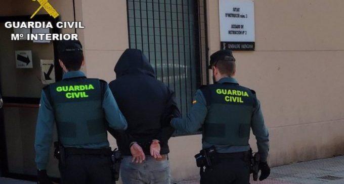 Detinguts dos homes per robar regals de Reis en una oficina de Correus de Gandia