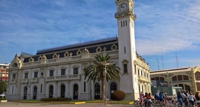 L'Edifici del Rellotge acull una exposició que recorre 100 anys de la història del submarí