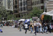 Los mercadillos extraordinarios del Mercado Central se 'mudan' a la plaza del Ayuntamiento