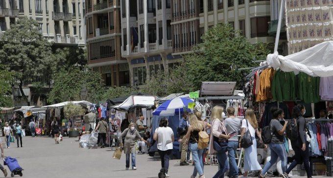 Els mercats extraordinaris del Mercat Central es 'muden' a la plaça de l'Ajuntament