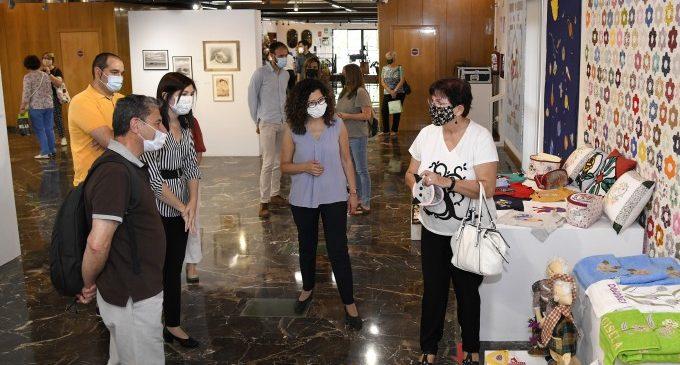 El Centre de Persones Adultes de Paiporta exposa els seus treballs al Museu de la Rajoleria