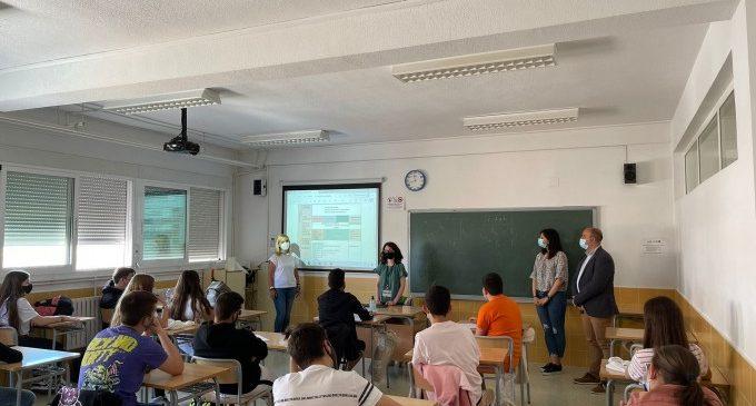 L'alumnat de l'IES Massamagrell rep orientació formativa i laboral